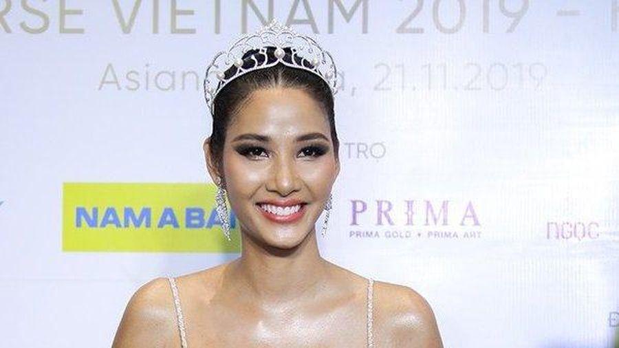 Á hậu Hoàng Thùy thừa nhận tham vọng giành vương miện Miss Universe 2019