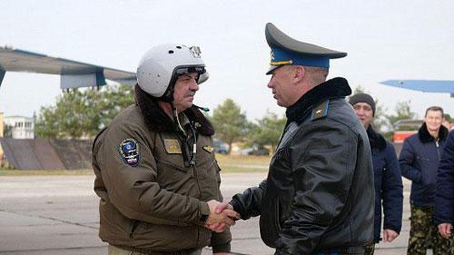 Belarus tự bỏ tiền mua Su-30SM, Nga ra vẻ 'bề trên' khoe hàng 'viện trợ'