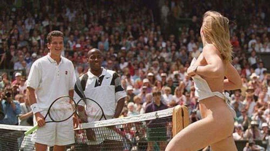 Nữ sinh cởi sạch 100%, 2 tay vợt nam đánh chung kết Wimbledon 'đứng hình'