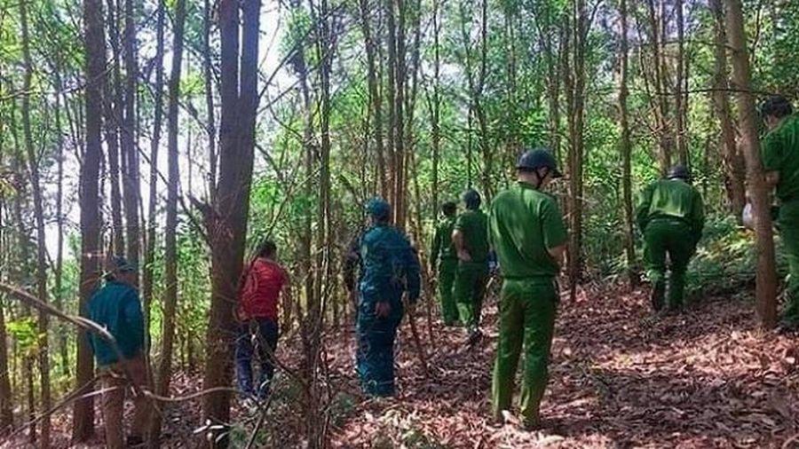 Hơn 200 cảnh sát truy bắt đối tượng dùng dao khống chế nữ tài xế taxi bỏ trốn lên núi, đòi 200 triệu đồng tiền chuộc
