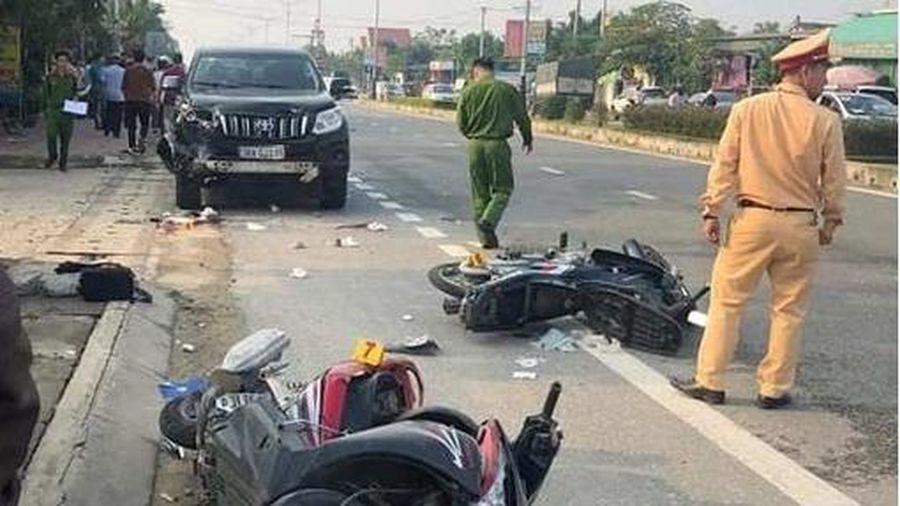 Ô tô Prado gây tai nạn liên hoàn khiến 2 người thương vong