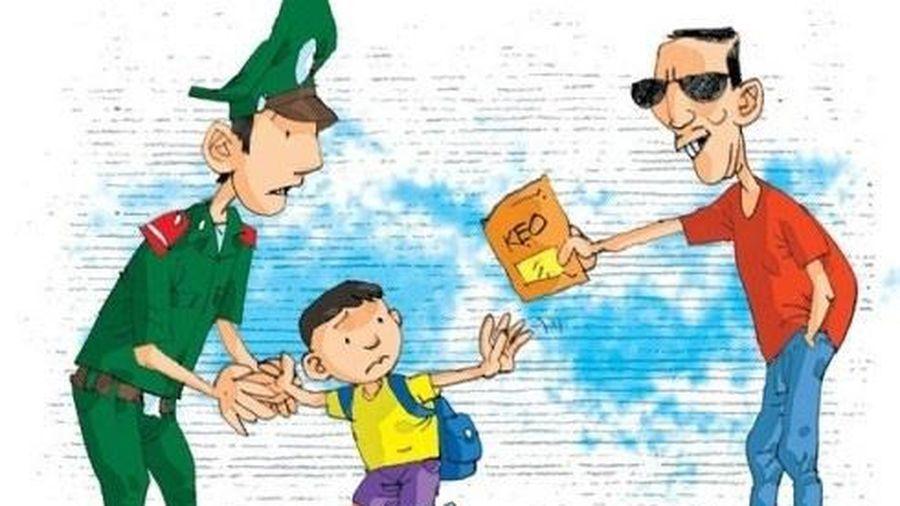 Công an chỉ ra những dấu hiệu nhận biết hành vi xâm hại trẻ em