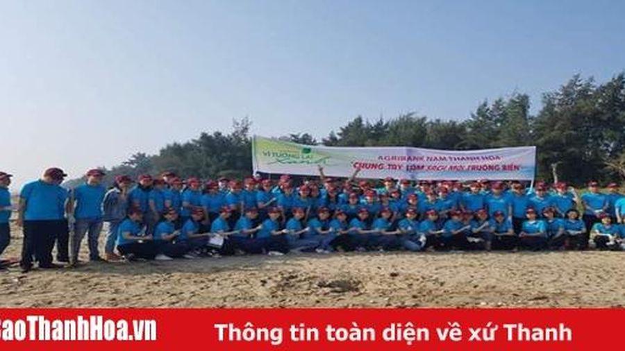 Agribank Nam Thanh Hóa tổ chức ra quân làm sạch biển - Nói 'không' với rác thải nhựa