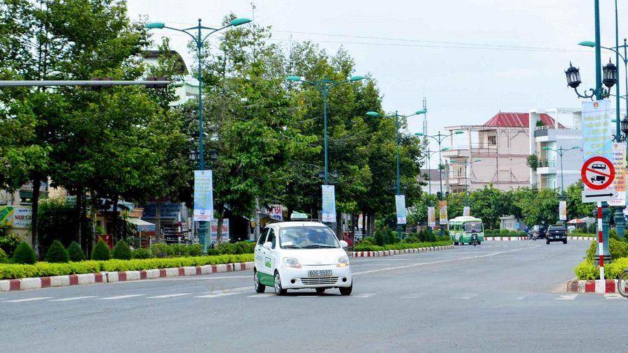 Điều khiển ô tô vượt đèn đỏ bị xử phạt thế nào?
