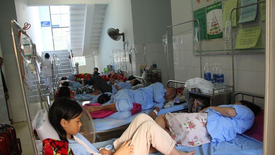 Quảng Bình: Dân bất an vì 'đại dịch' sốt xuất huyết, bệnh viện quá tải