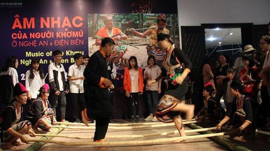 Khám phá văn hóa độc đáo của người Khơmú tại Thủ đô Hà Nội