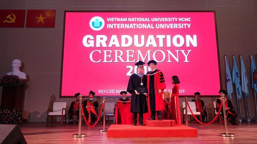 Hơn 1.000 sinh viên Đại học Quốc tế - Đại học Quốc gia TP.HCM tốt nghiệp