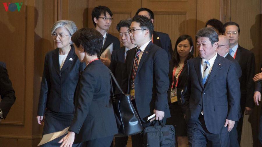 Ngoại trưởng Nhật-Hàn hội đàm nhưng không đạt được kết quả đáng kể