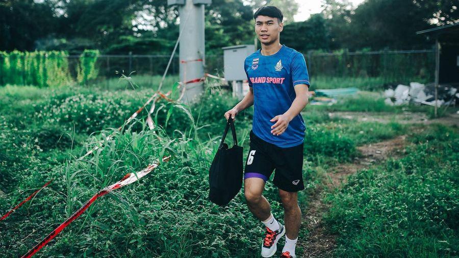 'Nhọ' như tuyển Thái Lan tại SEA Games 30: Vật vã mãi mới tới được sân vì tắc đường, đến nơi tập thì tồi tàn, không có luôn cả nhà vệ sinh