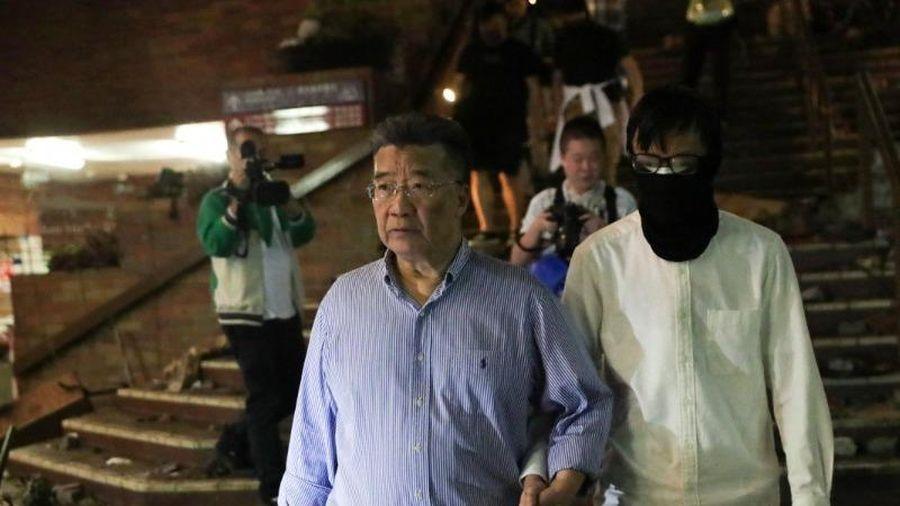 Hong Kong: Cựu cố vấn cho đại lục vào trường dắt sinh viên ra
