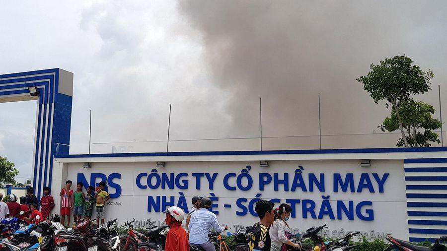 Cháy lớn ở Công ty May Nhà Bè - Sóc Trăng