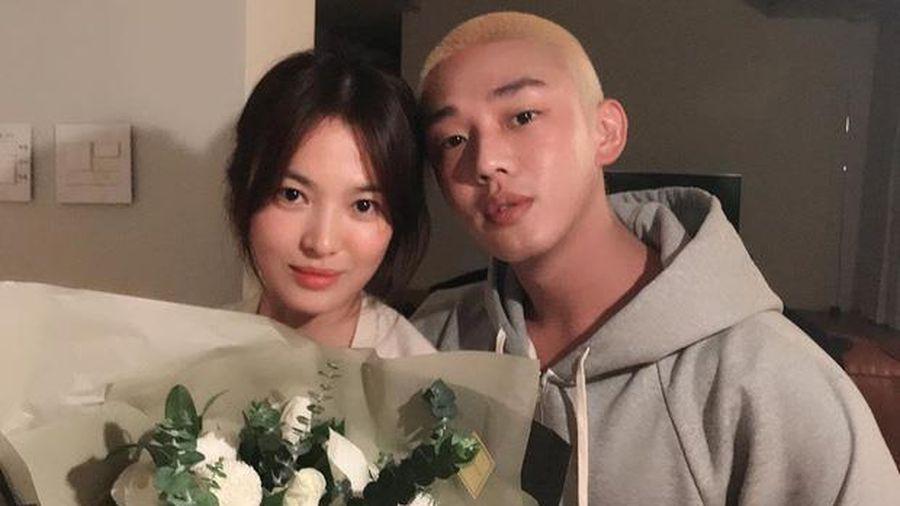 Yoo Ah In đăng ảnh chụp trong sinh nhật Song Hye Kyo