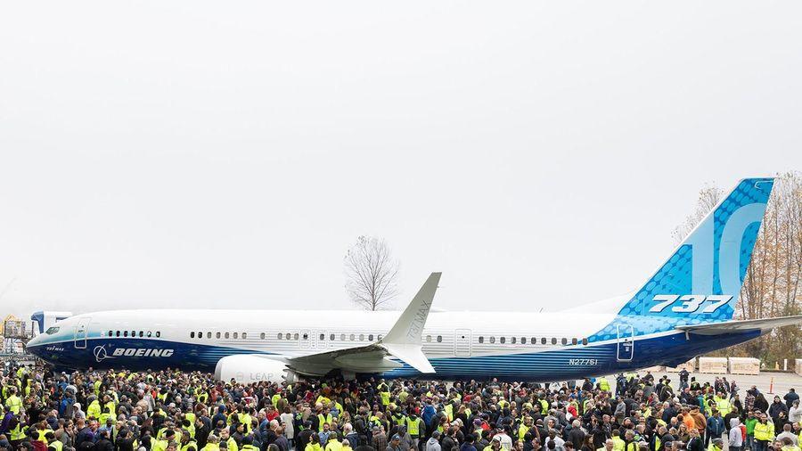 Tương lai 737 Max chưa rõ ràng, Boeing vẫn ra mắt phiên bản mới