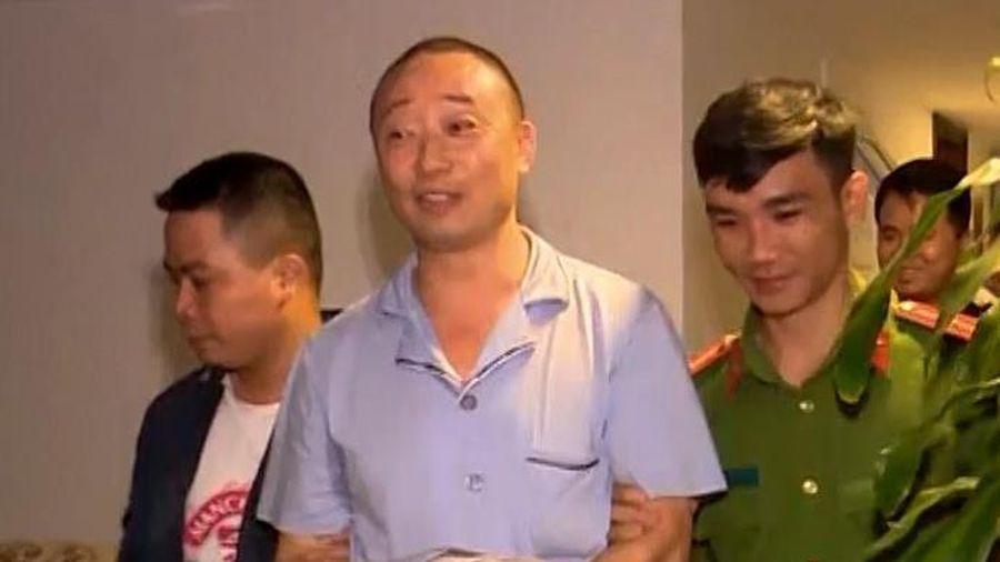 Cảnh sát đột kích bắt 5 người Trung Quốc trốn truy nã
