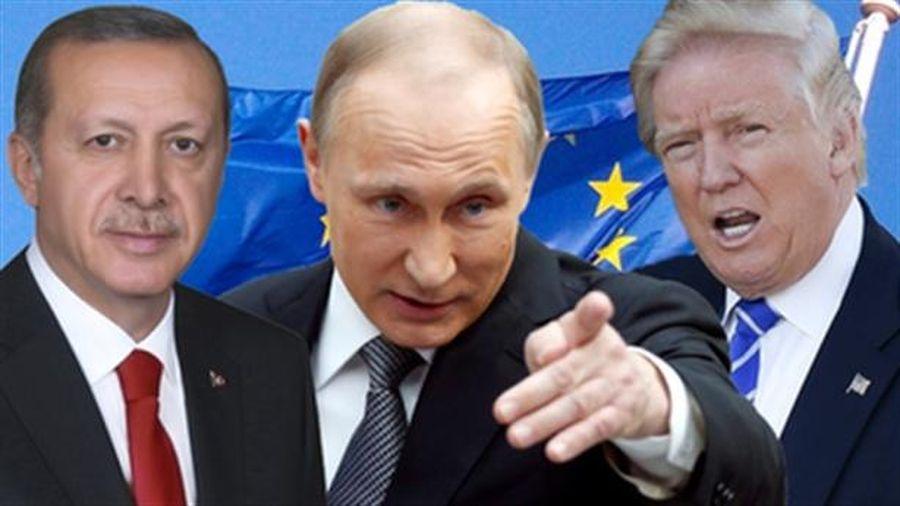 Thổ Nhĩ Kỳ 'đi dây' giữa hai cường quốc