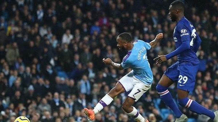 Man City hạ đẹp Chelsea, Sterling lập kỷ lục bị VAR 'hành'
