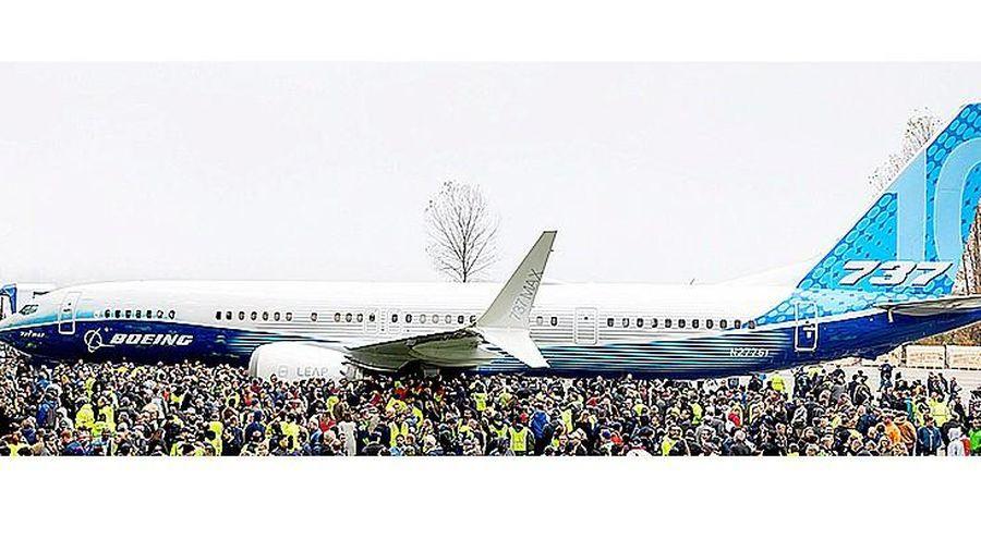 Boeing ra mắt mẫu máy bay 737 MAX mới