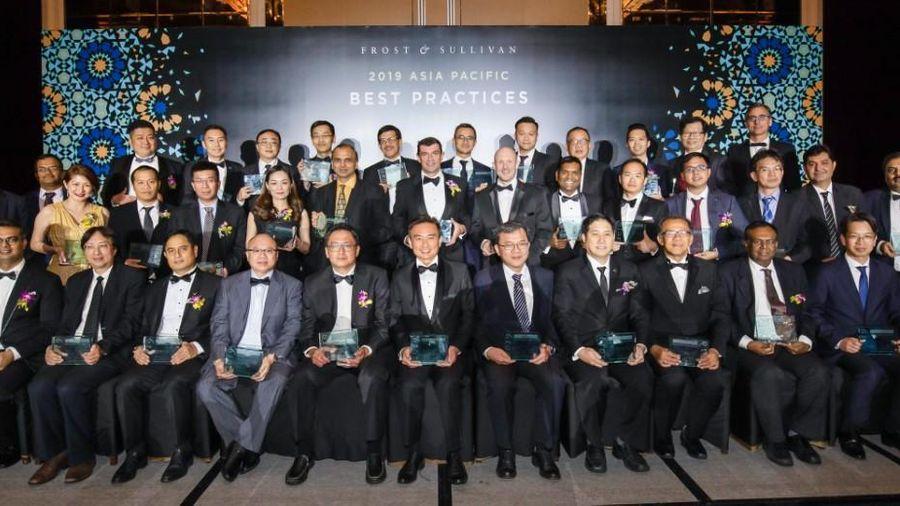FPT vinh dự được trao giải thưởng: 'Nhà cung cấp Dịch vụ Trung tâm dữ liệu Việt Nam của năm 2019'