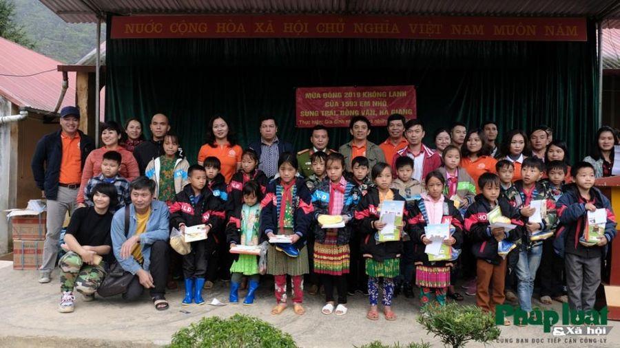 Mang áo ấm đến với các em nhỏ vùng cao Hà Giang