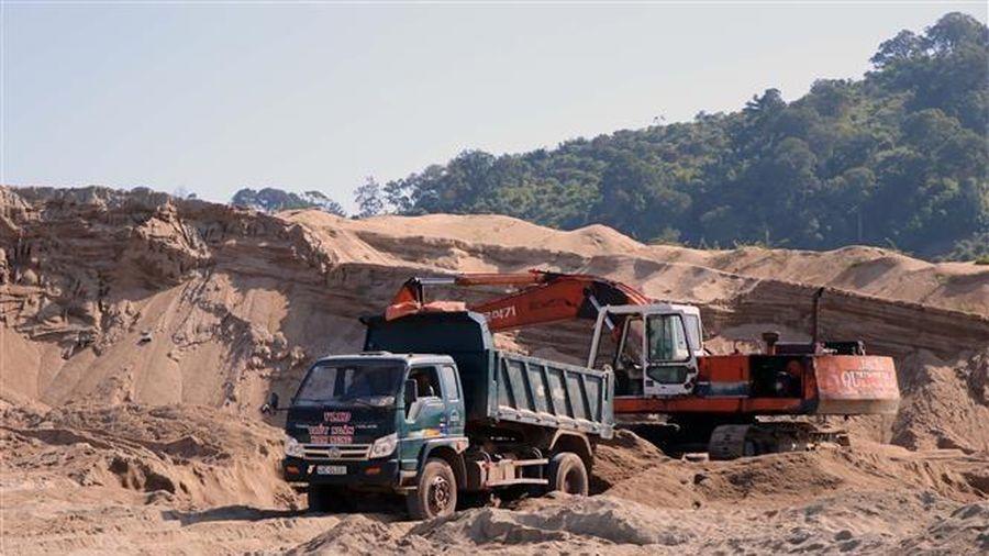 Những bất thường trong khai thác, kinh doanh cát tại Đắk Nông