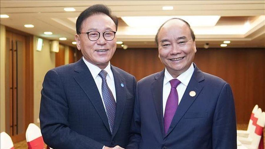 Thủ tướng Nguyễn Xuân Phúc tiếp Tổng lãnh sự danh dự khu vực Busan - Keangnam