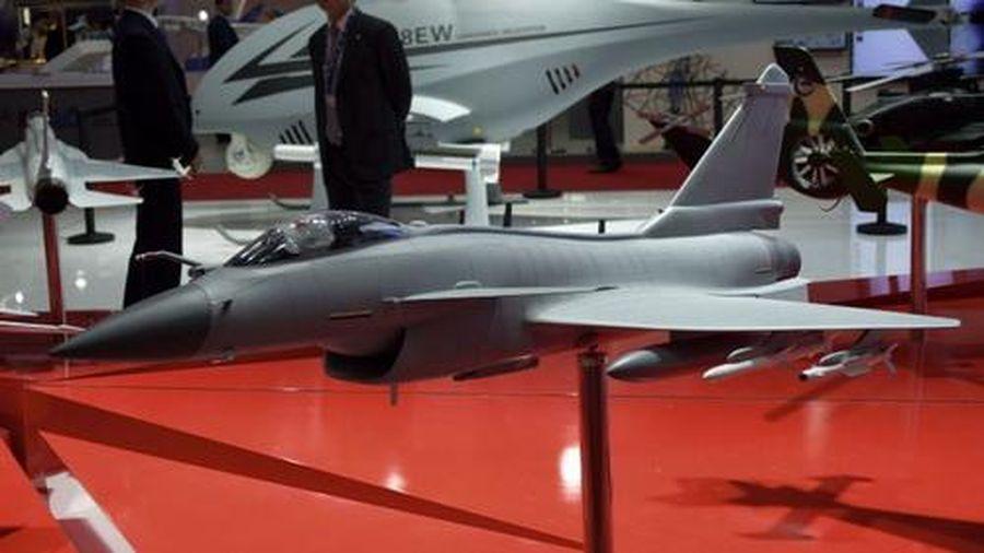 Tham vọng thống trị thị trường tiêm kích hạng nhẹ thế giới của J-10C Trung Quốc