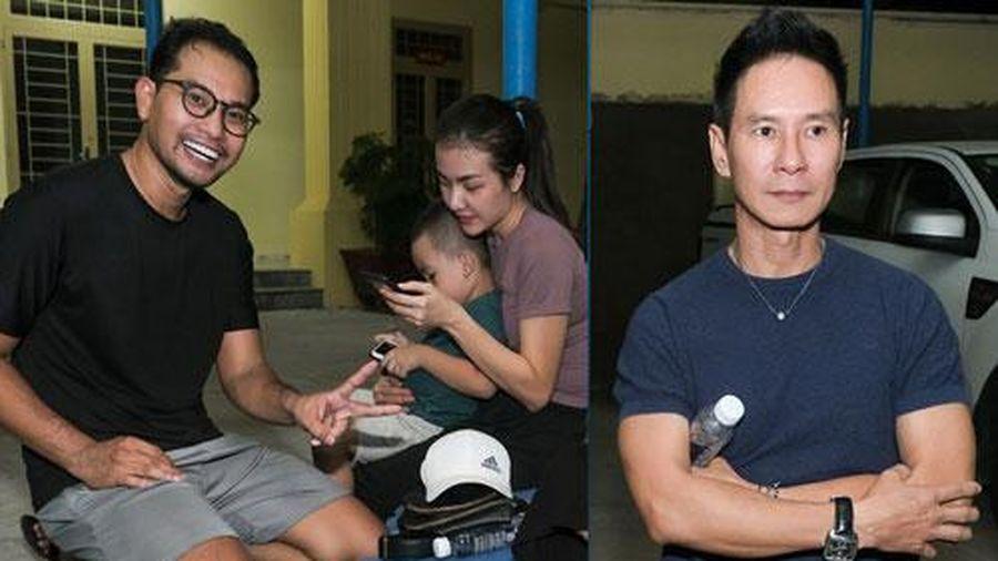 Vợ Huỳnh Đông đưa con trai đến trường võ thăm chồng, Lý Hải nhìn thấy cười tít mắt