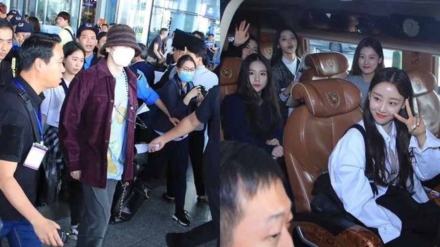 Dàn sao Hàn tại sân bay Nội Bài dự AAA 2019: Zico đeo khẩu trang kín mít, LOONA thân thiện vẫy tay chào fan Việt
