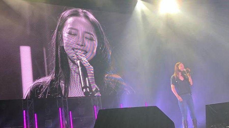 Đau xót khi nhìn thấy nụ cười hạnh phúc của Goo Hara trong tour diễn Nhật Bản cuối cùng trước khi qua đời