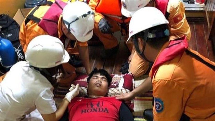 Việt Nam cứu thành công thuyền viên Thái Lan hôn mê trên biển