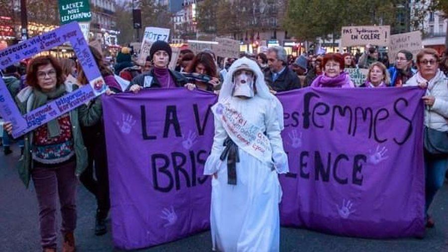 Hàng vạn người Pháp biểu tình chống tình trạng sát hại phụ nữ