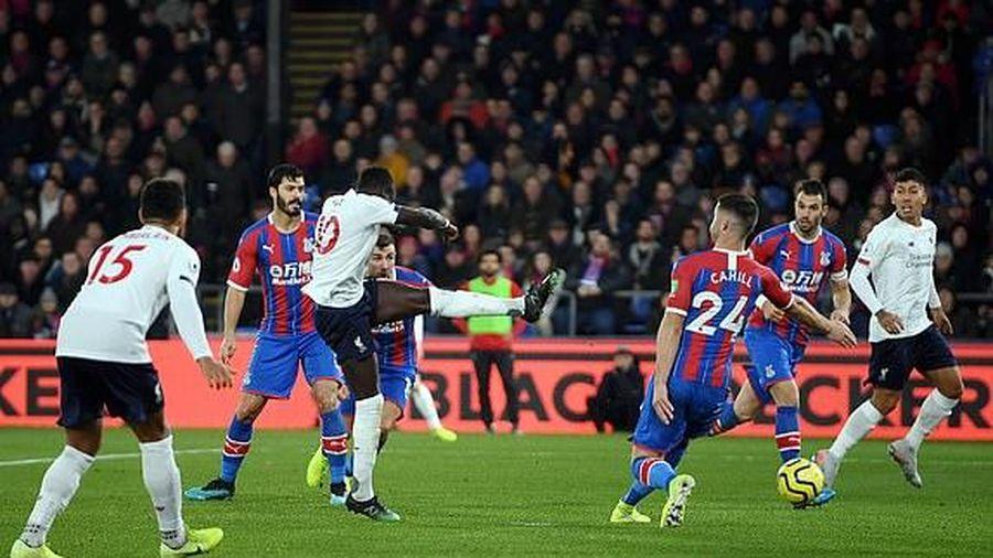 Liverpool đánh bại Crystal Palace, bất bại 13 trận liên tiếp