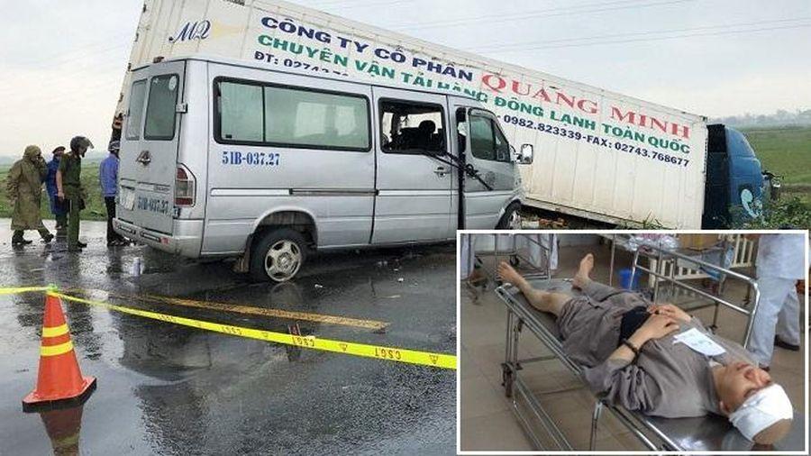 Tai nạn 13 người thương vong ở Quảng Ngãi: Xe khách chạy lấn làn đường ngược chiều