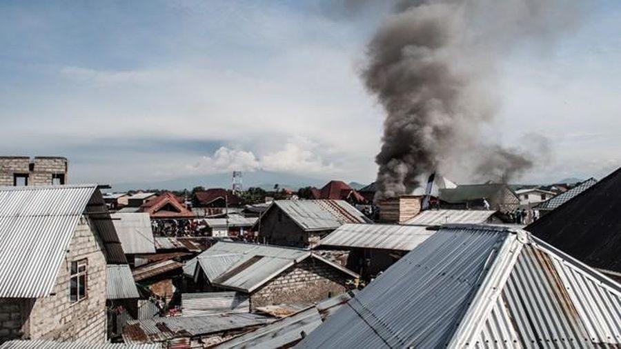 Máy bay chở khách rơi tại Congo, 27 người thiệt mạng