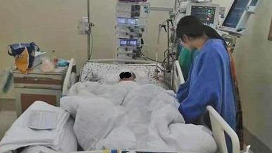 Bé trai nguy kịch vì bị van điều hòa từ tầng 22 rơi vào đầu