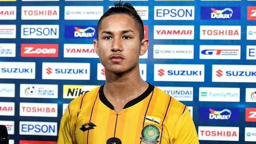 Đội trưởng U22 Brunei thuộc hoàng tộc, là cầu thủ giàu nhất thế giới