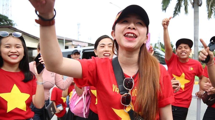 CĐV tiếp lửa U22 Việt Nam tại Philippines