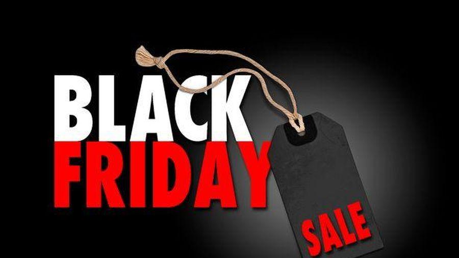 Nhiều cửa hàng thời trang giảm giá đón ngày Black Friday