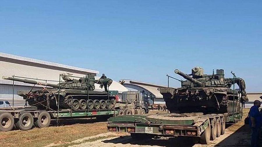 Nóng: Một loạt xe tăng 'đại bàng trắng' T-72M Nga được chuyển tới Việt Nam