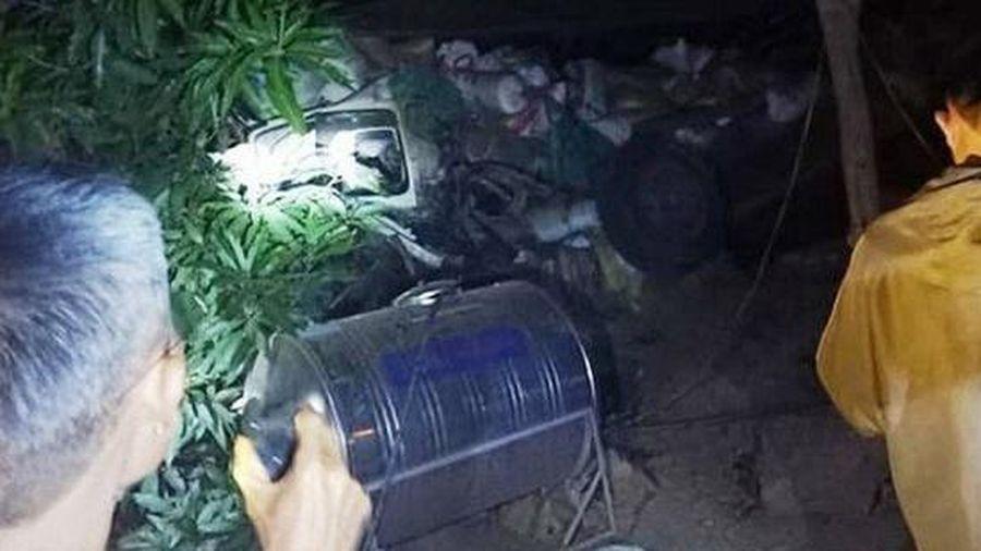 Xe tải mất lái lao xuống vực 50m lúc nửa đêm, tài xế tử vong tại chỗ