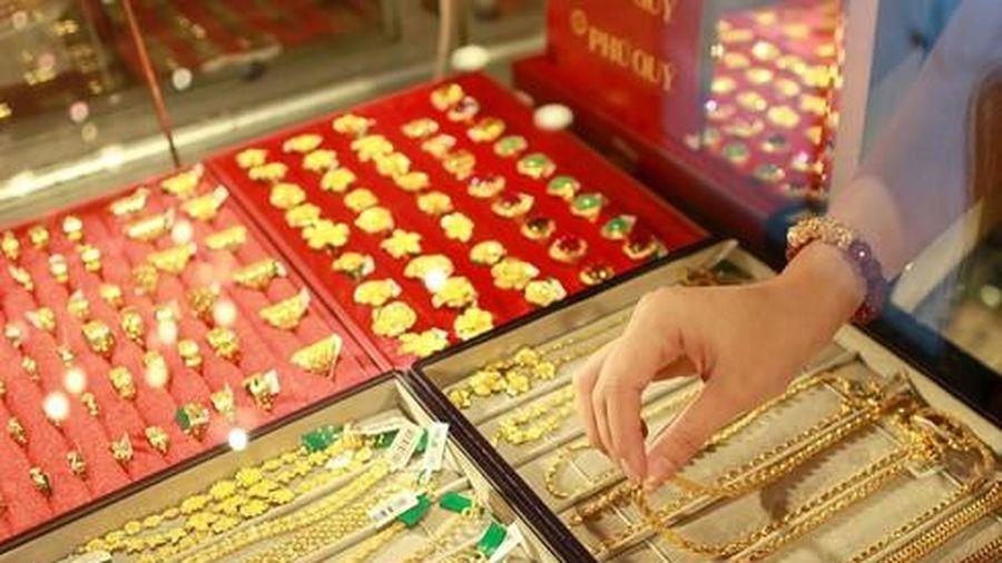 Giá vàng trong nước tăng giảm thất thường trong ngày đầu tuần