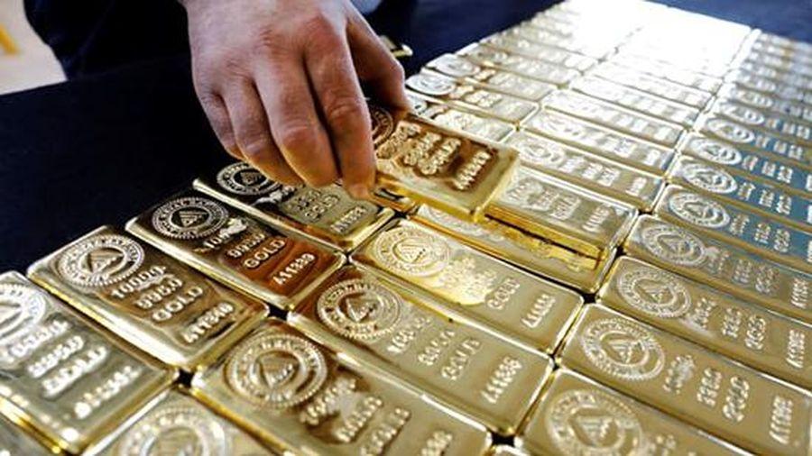 Giá vàng hôm nay: Chịu áp lực giảm giá