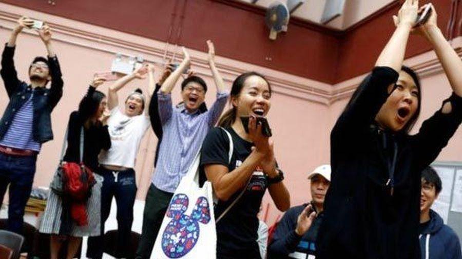 Phe dân chủ thắng áp đảo trong bầu cử Hong Kong