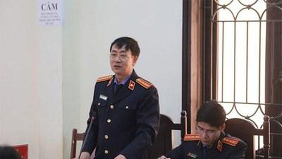 Xét xử giai đoạn 2 vụ đánh bạc nghìn tỉ ở Phú Thọ: Đại diện VKS đề nghị hoãn phiên xét xử