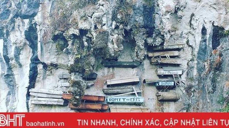 Tục treo quan tài trên vách đá ở Philippines