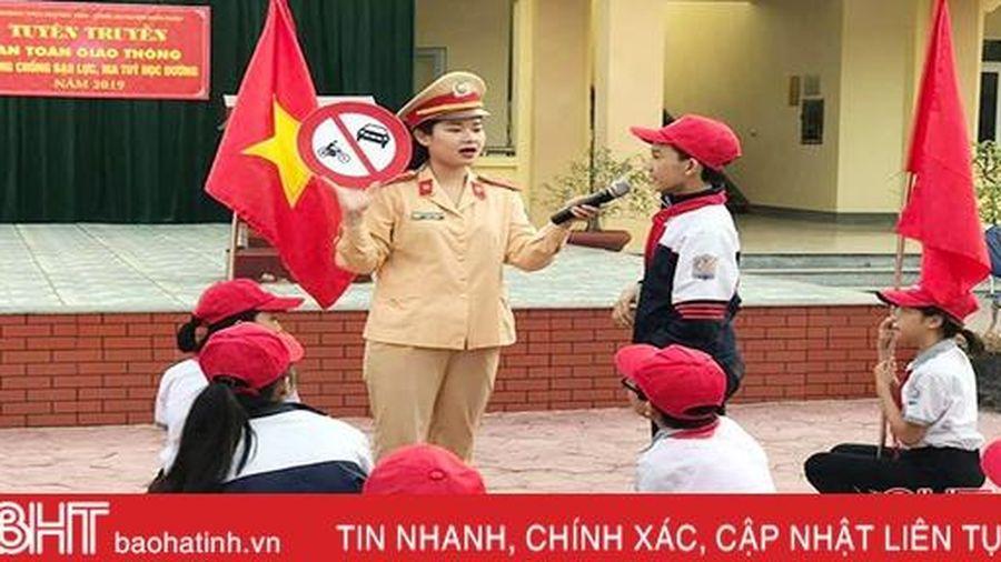 Gần 800 học sinh Nghi Xuân được trang bị kiến thức an toàn giao thông