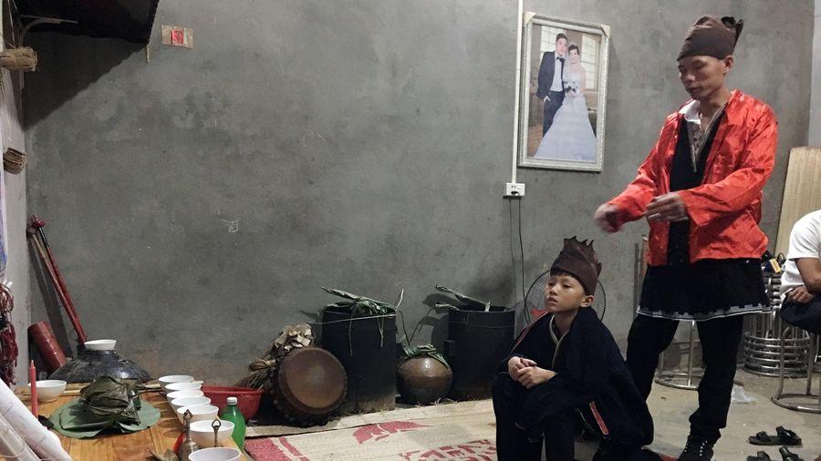 Độc đáo nghi lễ Lập Tĩnh - lễ đặt tên của người Dao Tiền