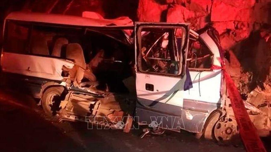 Peru: Xe buýt rơi xuống hẻm núi làm 30 người thương vong