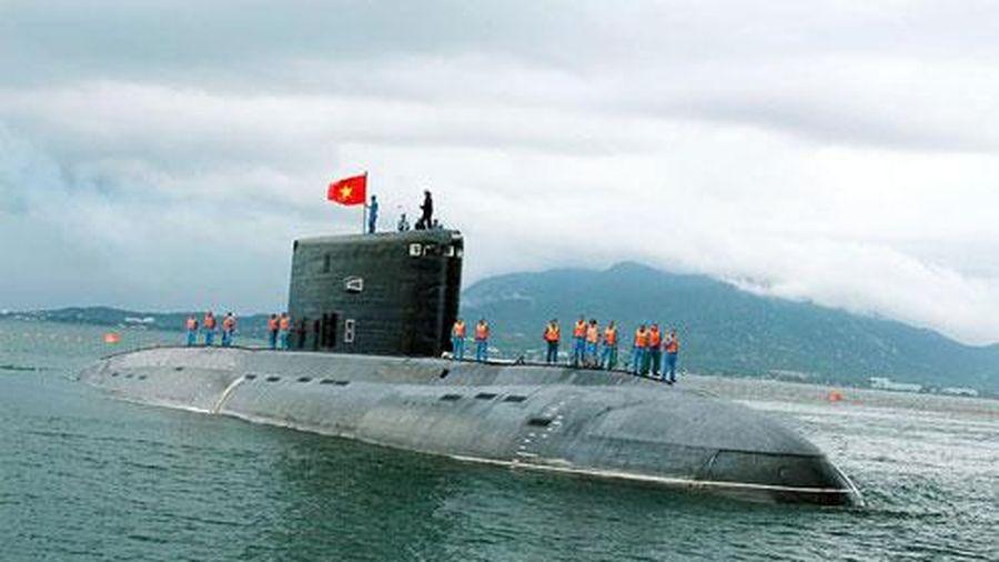 Tàu ngầm Hà Nội và những dấu ấn 'lần đầu' của Hải quân Việt Nam