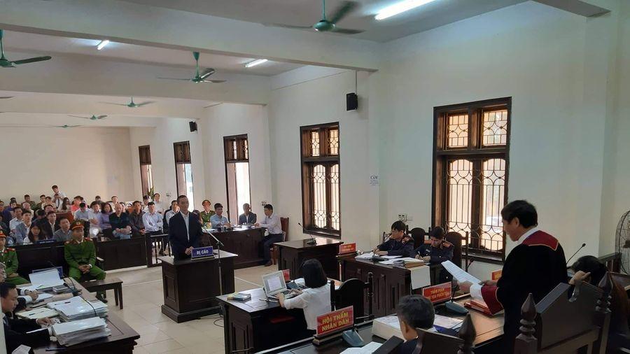Hoãn tòa vì cựu Bộ trưởng Trương Minh Tuấn vắng mặt